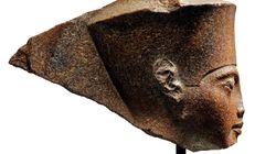 Une sculpture de Toutankhamon aux enchères, au grand dam de