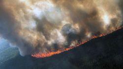 O καύσωνας στην Αλάσκα καίει δάση, λιώνει πάγους και οι πόλεις πνίνονται στον