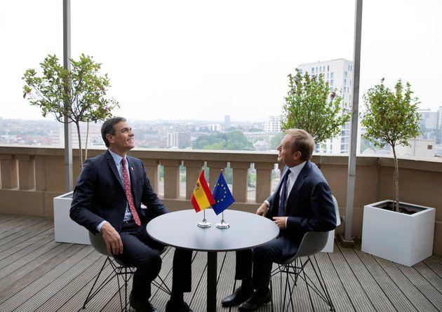 Los líderes de la Unión Europea aplazan al martes el reparto de cargos ante la incapacidad de alcanzar...