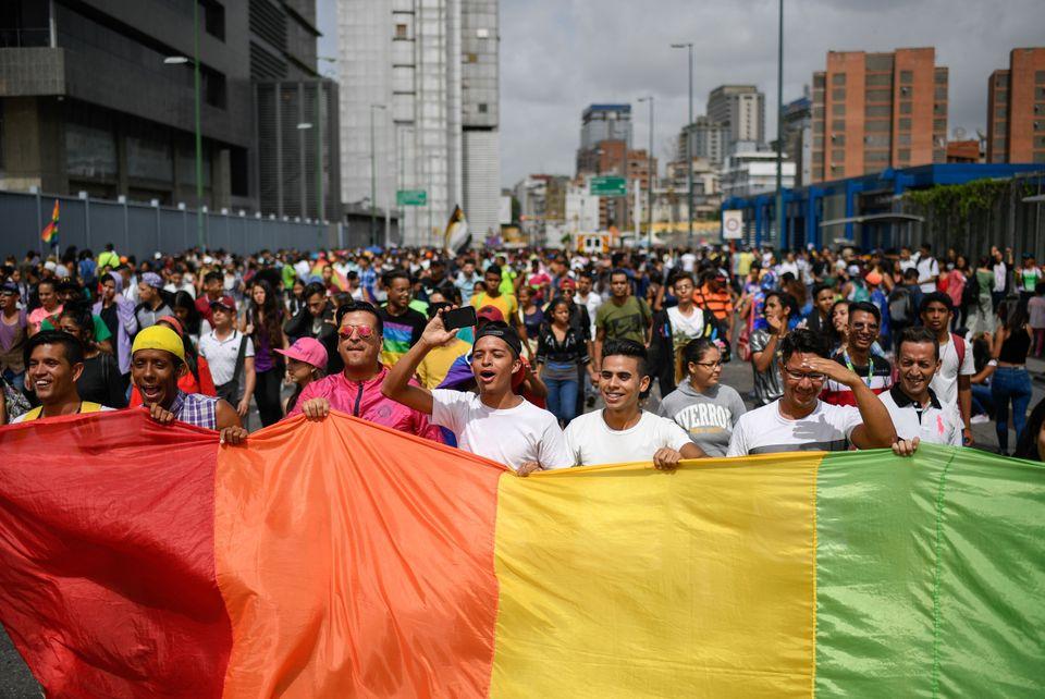 Em meio à grave crise política e econômica, a Venezuela também participou...