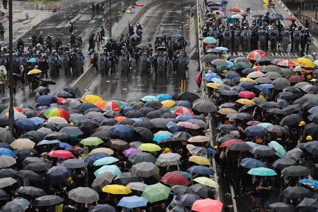 À Hong Kong, les manifestants envahissent le