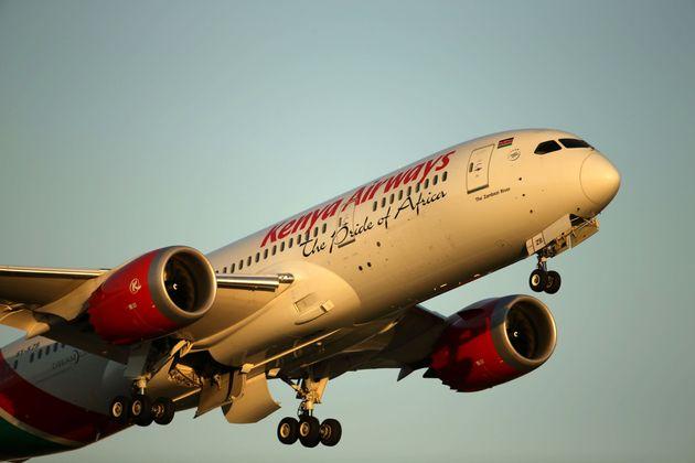 Λονδίνο: Ανδρας «προσγειώθηκε» σε κήπο σπιτιού από πτήση της Kenya