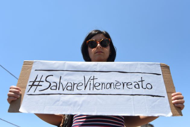 Κάρολα Ράκετε: Παραμένει σε κατ'οίκον περιορισμό η καπετάνισσα που διέσωσε