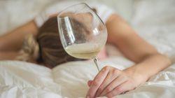 Γιατί το αλκόολ πριν τον ύπνο δεν βοηθάει (όπως πολλοί