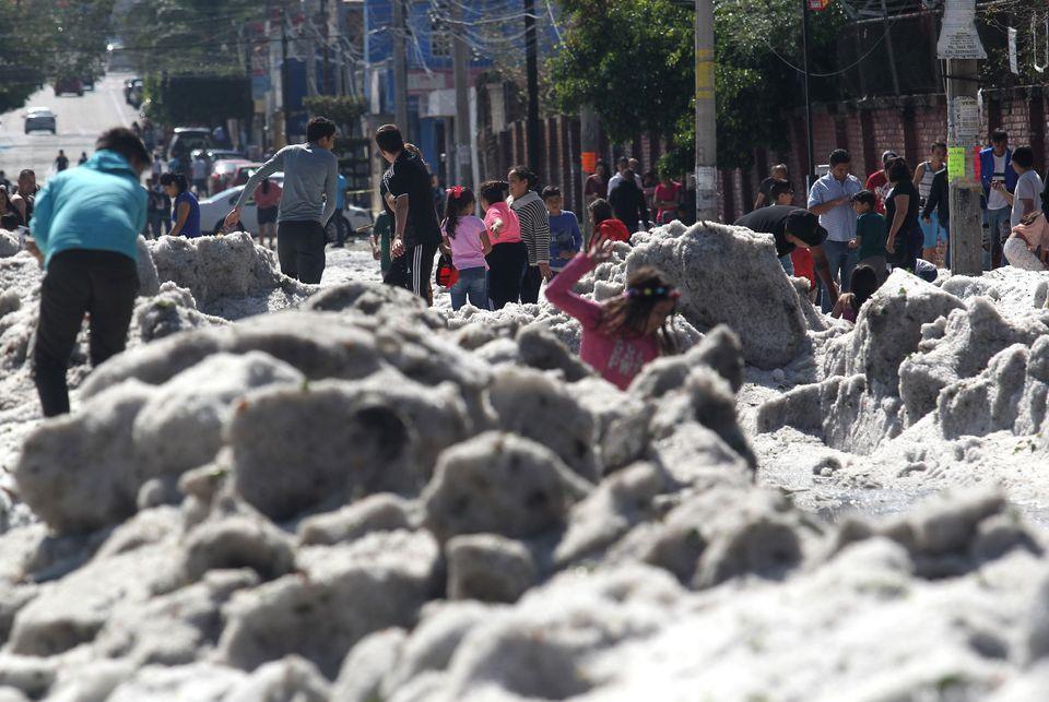 멕시코의 도시 하나가 얼음에