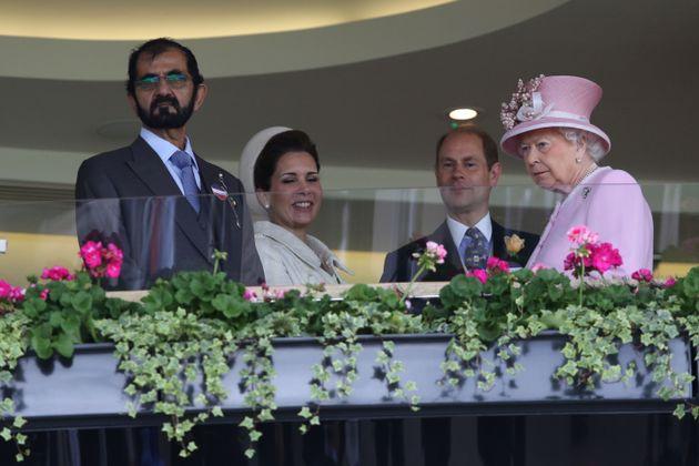 Με τη Βασίλισσα