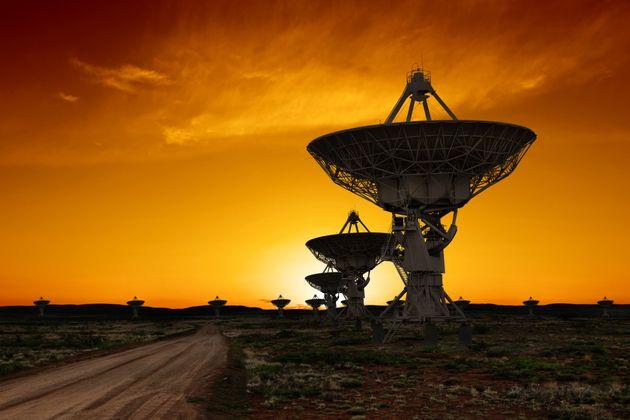 Πώς θα έπρεπε να διαχειριστούμε μια επαφή με εξωγήινους; Επιστήμονες ρωτούν το
