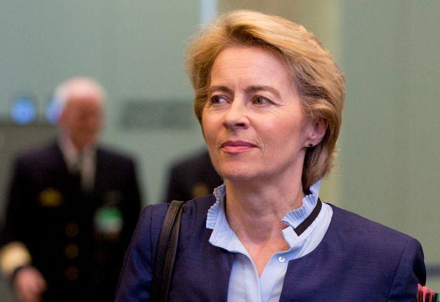 À la Commission européenne, Macron propose Ursula von der Leyen, ministre