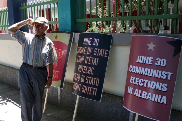 Πώς τελειώνει η δημοκρατία στην Αλβανία και ο ρόλος της ελληνικής
