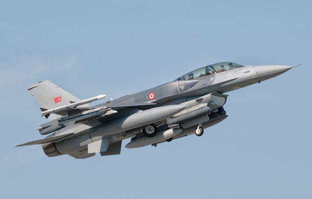 Οπλισμένα τουρκικά F-16 παραβίασαν τον εθνικό εναέριο χώρο στο