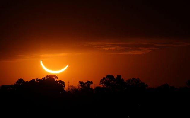 Eclissi solare totale dà spettacolo in Cile, tanti vip e turisti