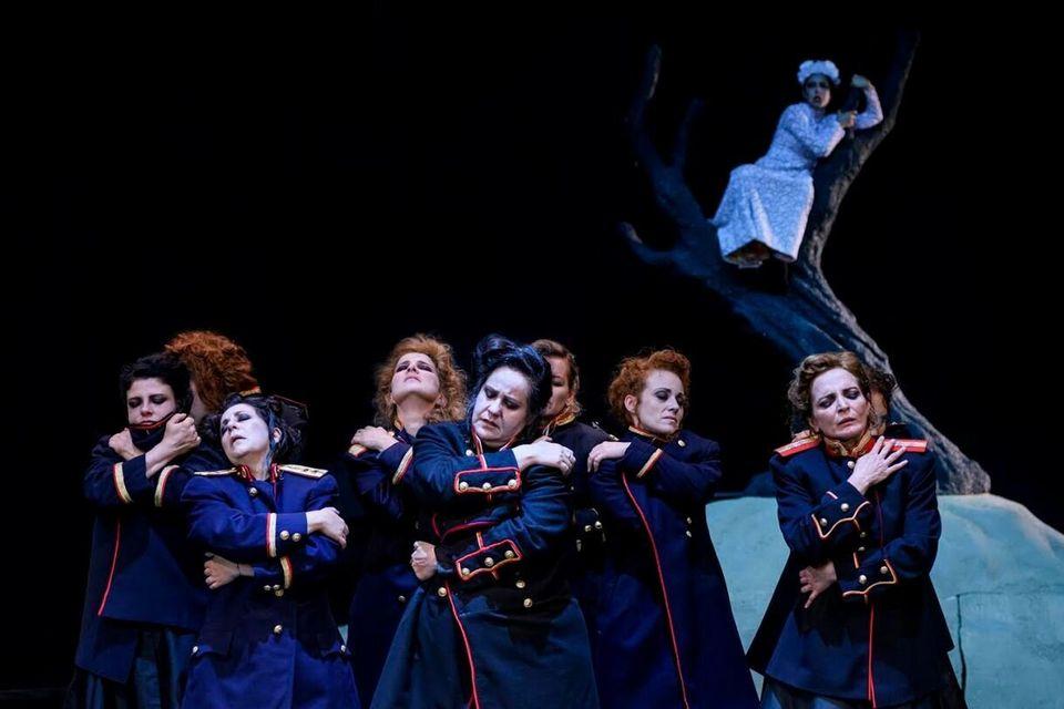 Εθνικό Θέατρο: Οι «Ικέτιδες» μέσα από οκτώ εικόνες - Στην Επίδαυρο 5 και 6