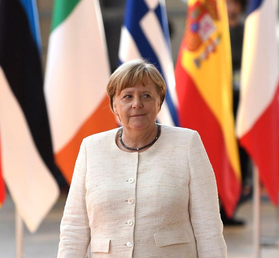 Πώς η Μέρκελ κέρδισε την προεδρία της Κομισιόν για τη Γερμανία αλλά «έχασε» στο