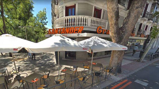 La mítica cafetería Santander, en Madrid, cierra tras 52