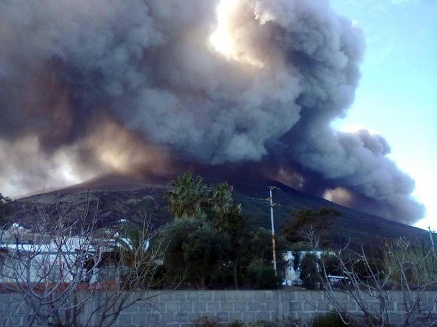 Ιταλία: Ενεργοποιήθηκε το ηφαίστειο στο νησί