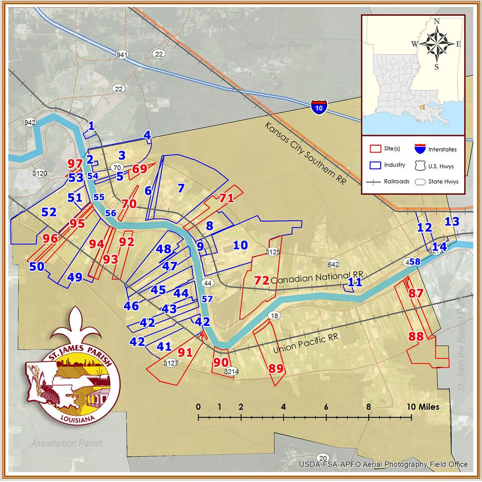 This map shows sites in blue where gas, oil, chemical and agricultural facilities are located in St. James Parish. Plots avai