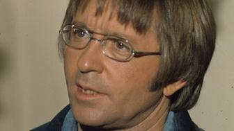 """UNITED STATES - MAY 23:  THE PARTRIDGE FAMILY - """"For Whom the Bell Tolls...and Tolls...and Tolls"""" 1/12/73 Arte Johnson  (Photo by Walt Disney Television via Getty Images Photo Archives/Walt Disney Television via Getty Images via Getty Images)"""