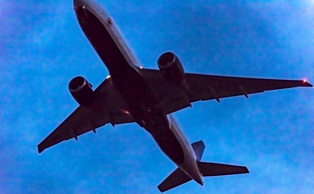 Les lignes aériennes et les aéroports canadiens parmi les pires au monde pour les