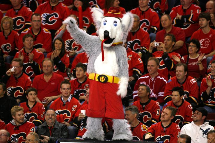 Harvey the Hound pictured with Calgary Flames fans.