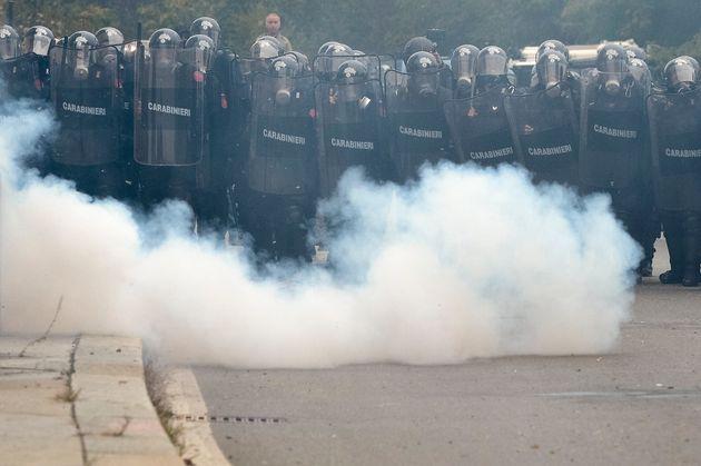 Scontri al G7 di Torino, blitz della polizia negli ambienti dell'autonomia e dei centri sociali: 17