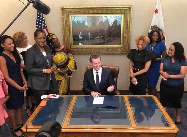Καλιφόρνια: Η πρώτη πολιτεία που απαγορεύει τις διακρίσεις λόγω