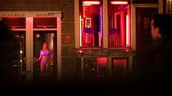 Ámsterdam plantea cerrar el Barrio Rojo por el acoso a las
