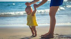 Το πρώτο μπάνιο του μωρού στη θάλασσα - Όλα όσα πρέπει να γνωρίζουν οι