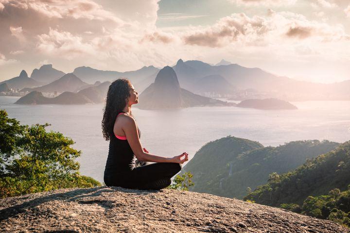Célébrer de petites victoires, ne pas culpabiliser... La méditation de pleine conscience peut vous aider dans votre périple écolo.