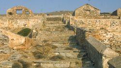 Η Μακρόνησος κηρύχθηκε αρχαιολογικός