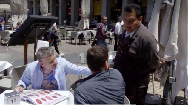 Chicote pide una paella en Plaza Mayor: