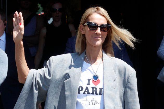 Céline Dion s'affiche avec le collier de