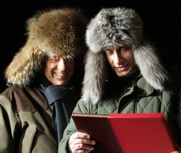 Prima di tornare in Russia, Putin incontra Berlusconi a