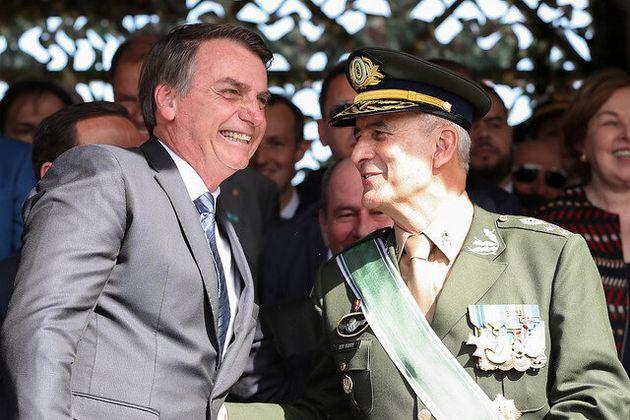 O novo ministro da Secretaria de Governo, general Luiz Eduardo Ramos, tomou posse nesta quinta-feira