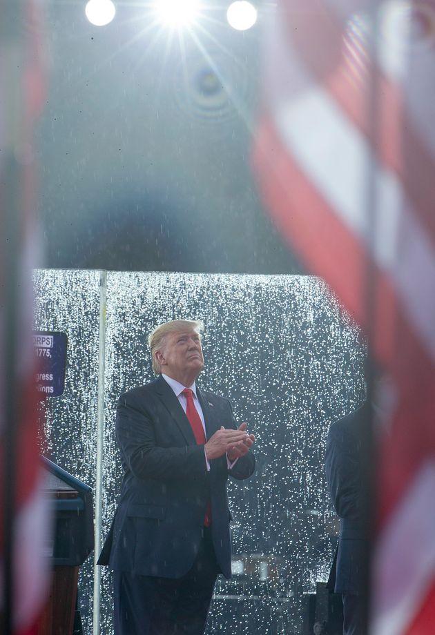 논란의 미국 독립기념일 군사 퍼레이드가 성대하게