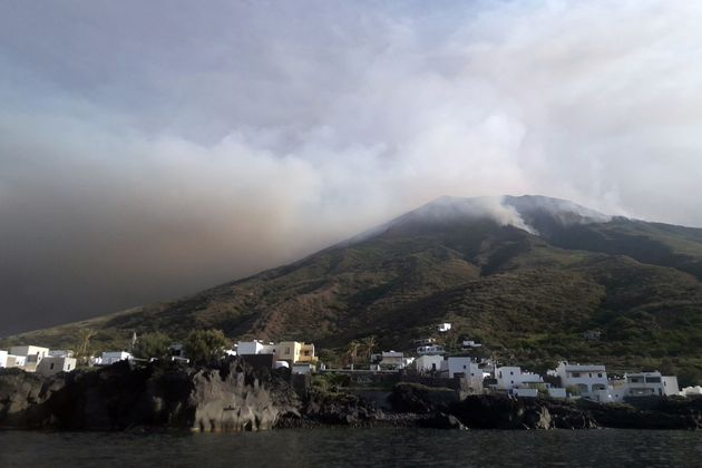 Sull'evento improvviso a Stromboli, anche con un turista morto, qualche riflessione scientifica su futuri...