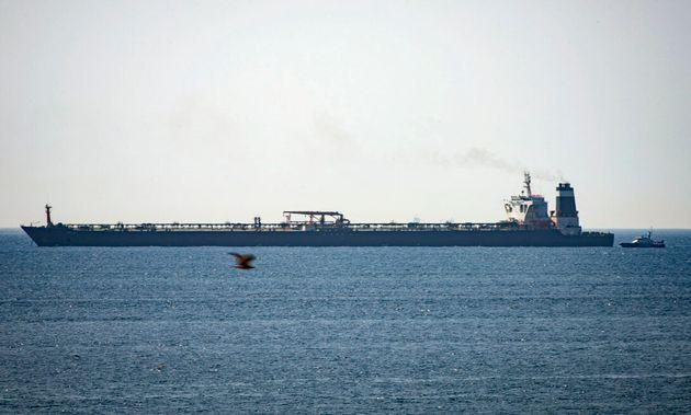 Το Ιράν απειλεί τη βρετανική ναυτιλία σε αντίποινα για την κατάληψη τάνκερ