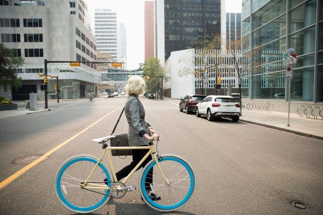 Il faut queles services sont accessibles par d'autres modes de transports que la