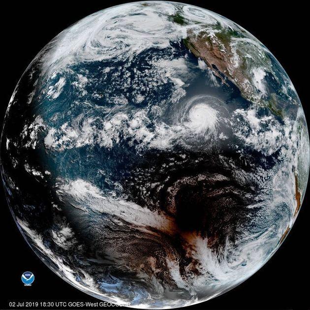 Lo spettacolo dell'eclissi di Sole fotografata dalla