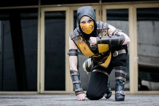 Le premier costume qu'a confectionné Marie-Claude était un costume de ninja féminin:...