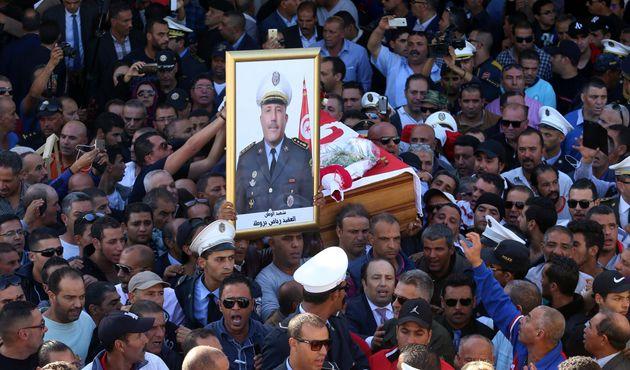 Non, le terroriste qui a tué au couteau le commandant Riadh Barrouta n'a pas écopé de 6 ans de