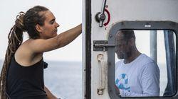 Η πλοίαρχος του Sea-Watch καταθέτει μήνυση κατά του Ματέο