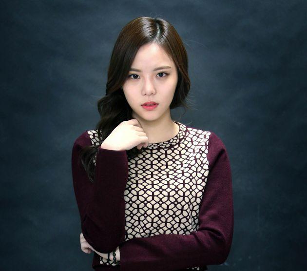 Ηθοποιός από τη Νότια Κορέα έπιασε, μαγείρεψε και έφαγε τεράστια, προστατευόμενα