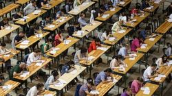 Una opositora de Murcia, suspendida al vibrarle el móvil en pleno