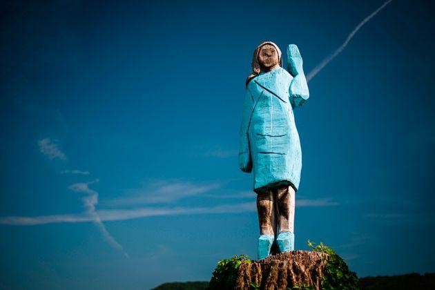 La statue de Melania