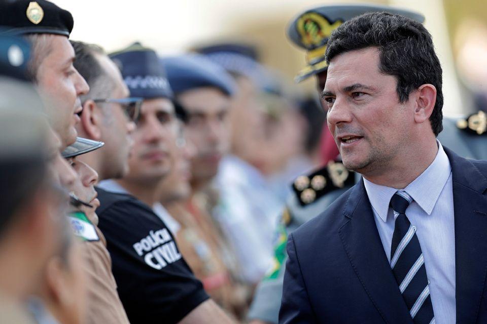 Projeto de lei anticrime de Sérgio Moro restringe o trabalho dos presos. No caso de crimes hediondos,...