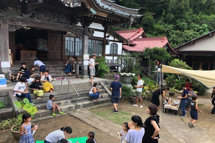 水野さんはご実家のお寺を現代版にアップデートする活動にも取り組む