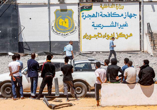 Neuf Marocains blessés dans le raid aérien contre un centre pour migrants près de Tripoli selon un nouveau