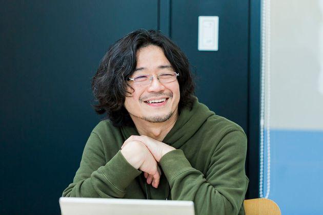 竹内義晴(たけうち・よしはる)。1971年、新潟県妙高市生まれ・在住。ビジネスマーケティング本部コーポレートブランディング部 兼 チームワーク総研