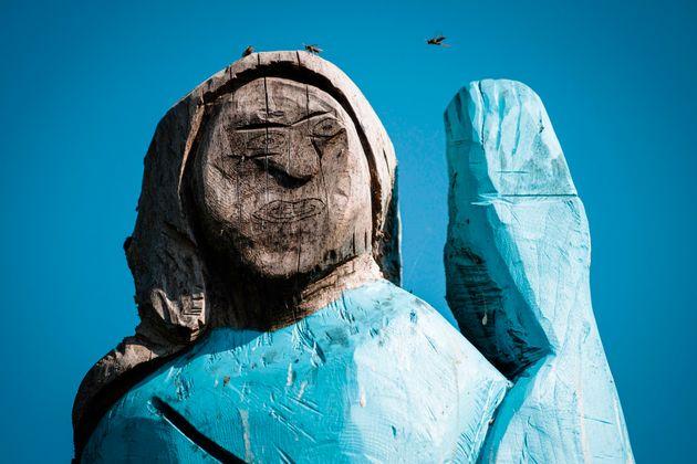 Σλοβενία: Αντιδράσεις για το παντελώς αποτυχημένο άγαλμα της Μελάνια