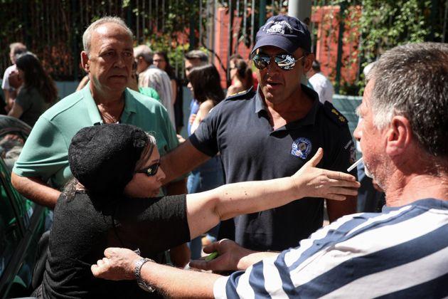 Φωτογραφίες: Η Ελένη Λουκά σε εκλογικό